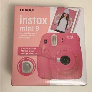 Polaroid Accessories - Hot Pink Polaroid💞